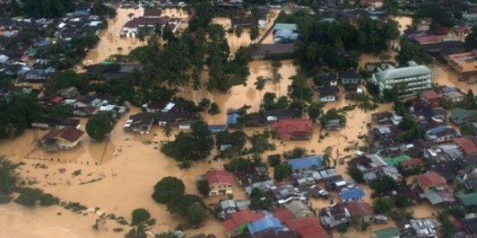 Binlerce insan sel nedeniyle evinden oldu!