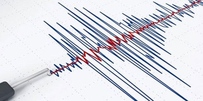 Filipinler'de 6.9 büyüklüğünde deprem!