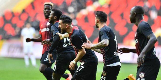 Gaziantep FK ikinci yarıda üçledi