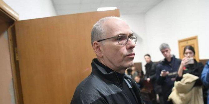 Rusya'da eski bakana 14 yıl hapis
