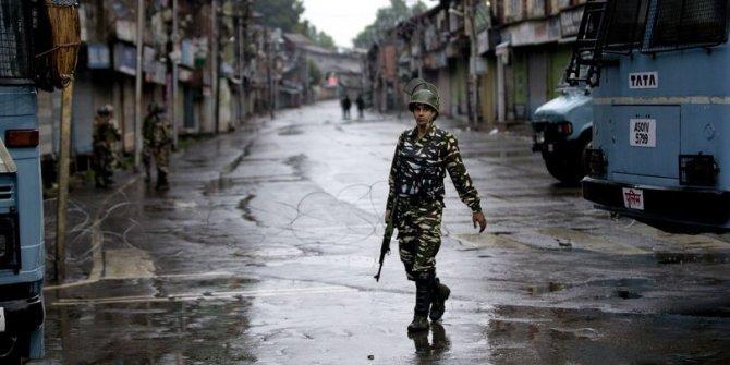 Bir virüs salgını da Hindistan'da: 10 çocuk öldü