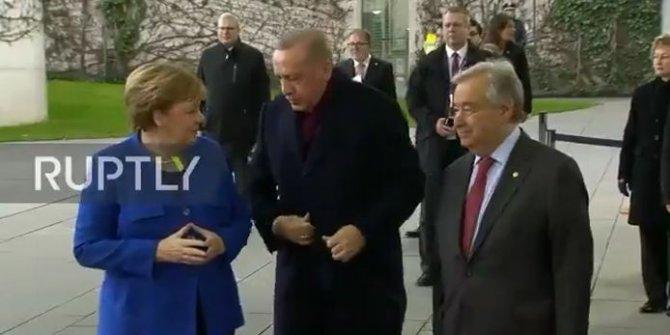 Sosyal medya, Recep Tayyip Erdoğan ile Angela Merkel'in görüntülerini görüşüyor