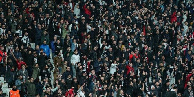 Beşiktaş'ta 'Abdullah Avcı istifa' tezahüratı!