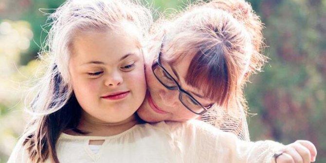 Anne baba arasındaki yaş farkı otizmi etkiler mi?
