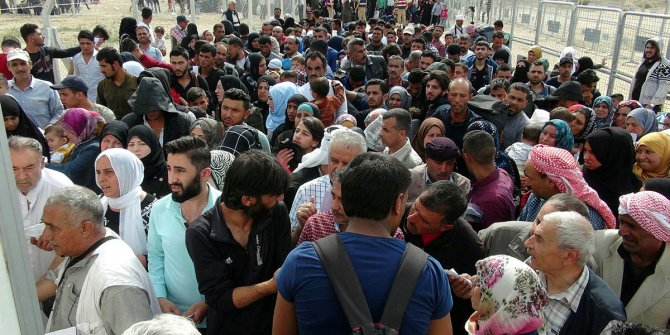 Suriyelileri Türkiye'de bırakma projesi!
