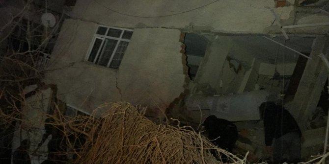 Elazığ'daki depremde hayatını kaybedenlerin sayısı yükseliyor