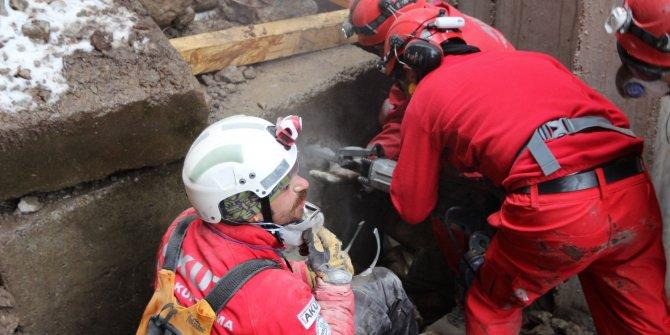 Elazığ depremi sonrası AKUT'tan açıklama