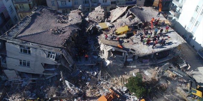 Üç bakandan deprem açıklaması
