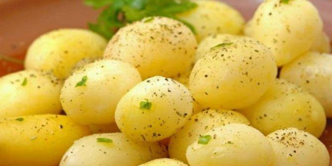 """""""Kilo vermek isteyen patatesi sabah yesin"""""""