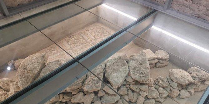 Restorasyonda tarihi mozaikler bulundu