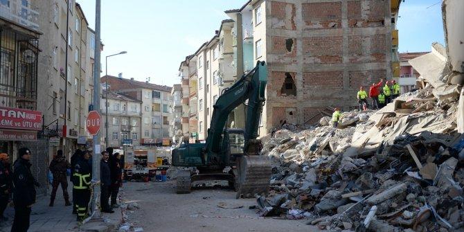 Elazığ'daki depremde yıkılan binalarda dere kumu kullanılmış!