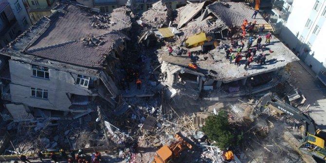 """Yeni Şafak yazarı: """"Deprem vergilerini sorgulamak hakkımız"""""""
