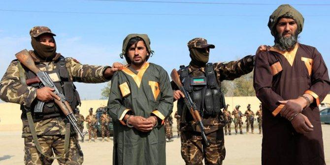 Afganistan'da polis üssüne saldırı