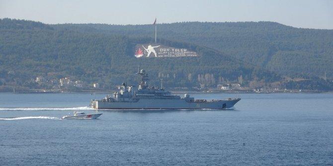 Rus savaş gemisi, Çanakkale'den geçti