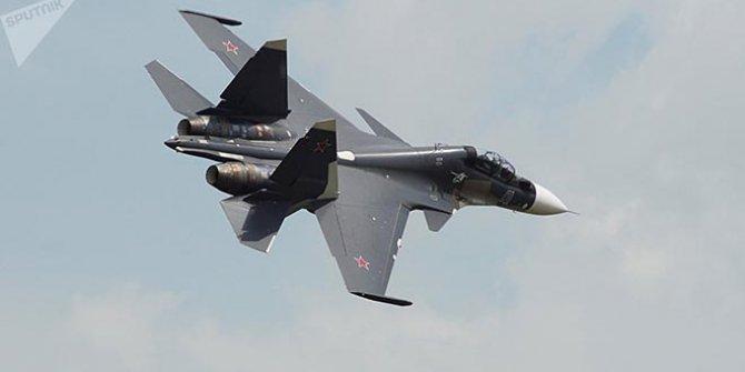 Cezayir'de savaş uçağı düştü
