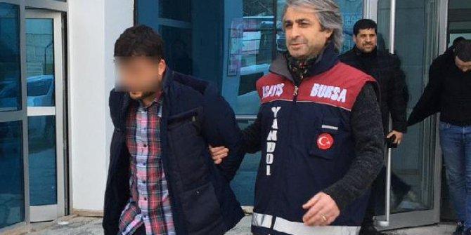 Polise yakalanmamak için hastane koridorunda saklandı