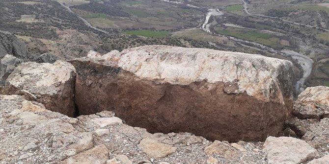 Depremde hasar görmüştü, ziyaretçilere kapatıldı