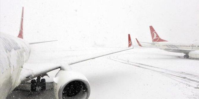 Diyarbakır Havalimanı 15,5 saat sonra ulaşıma açıldı