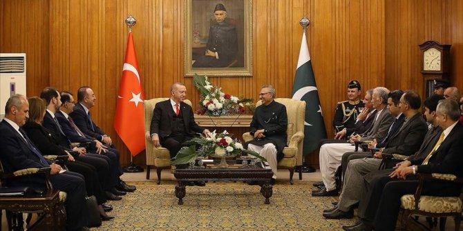 Cumhurbaşkanı Erdoğan, Pakistanlı mevkidaşıyla görüştü