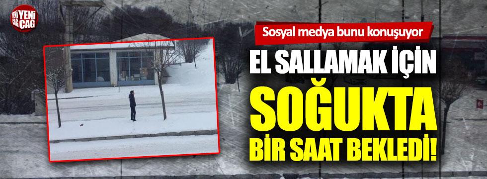 Trabzonspor taraftarı el sallamak için bir saat soğukta bekledi