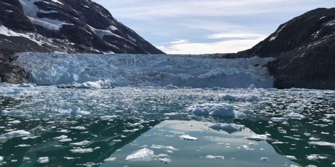 Sıcaklık rekor kırdı, buzullar eriyor!