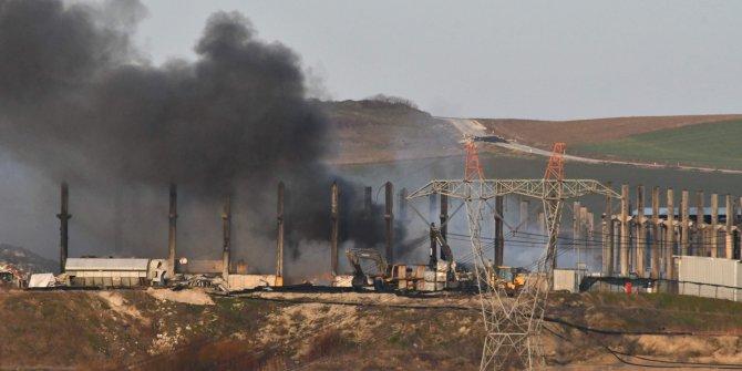 O fabrika yine yandı