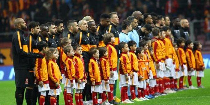 Galatasaray derbi öncesi güldü