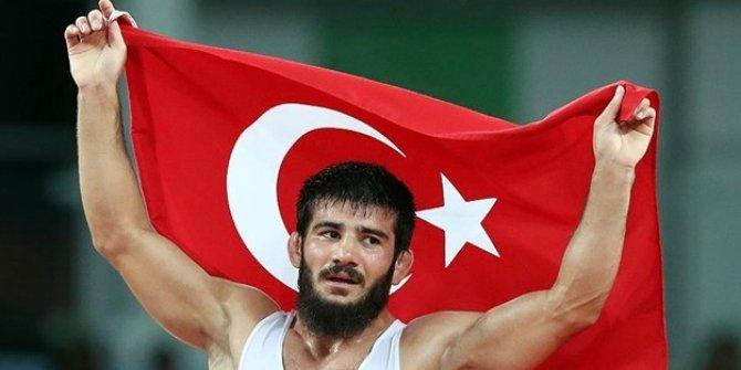 Milli güreşçi Soner Demirtaş, Avrupa üçüncüsü oldu