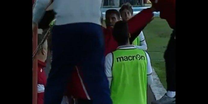 Oyuncusuna tokat atan Magrini'ye kırmızı kart!