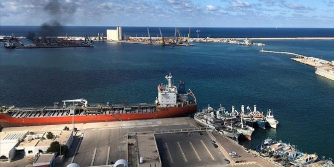 BM: Trablus'taki liman saldırıya uğradı