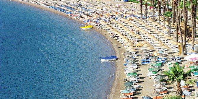 """Antalya Valisi'nden Otelcilere: """"Fiyatları aşağı çekmeyin"""""""