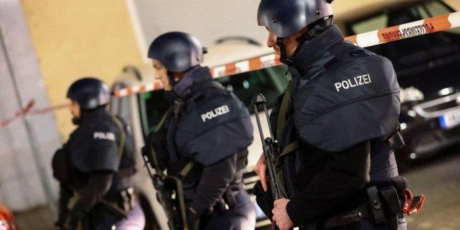 Almanya'da silahlı saldırı:8 ölü