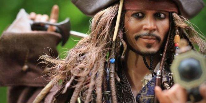 Johnny Depp için imza kampanyası!