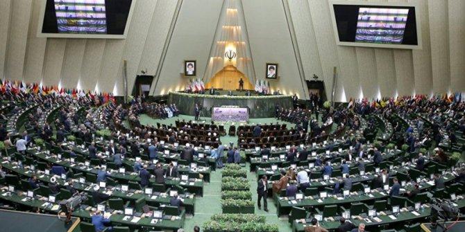 İran'daki seçimlerde muhafazakarlar önde