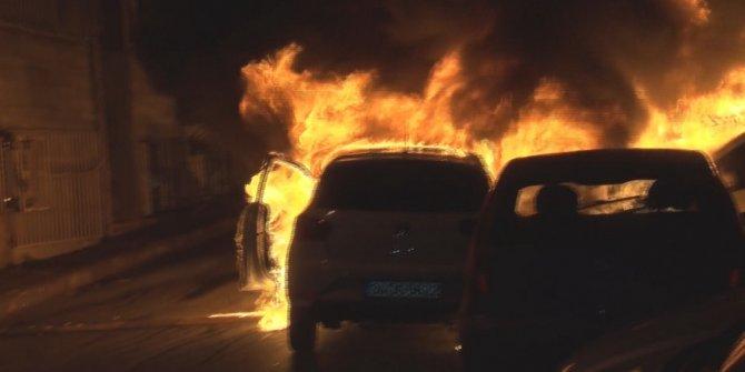 Fatih'te korku dolu anlar! 9 otomobil kundaklandı