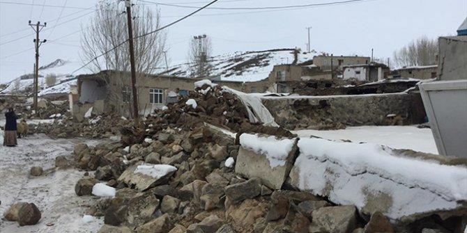İran'daki deprem Van'ı vurdu: Hayatını kaybedenler var!