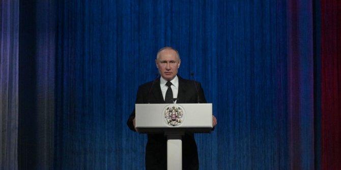 Putin yeni silahlar için düğmeye bastı