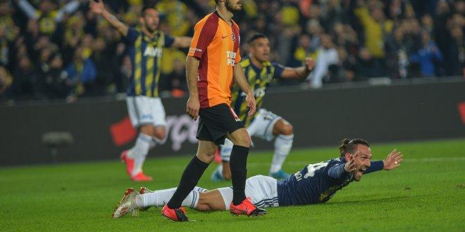 Fenerbahçe-Galatasaray maçındaki penaltı kararı tartışmalara neden oldu
