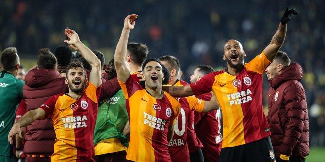 Fenerbahçe-Galatasaray derbisinde neler yaşandı?