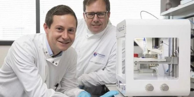 Bilim insanları, 3D yazıcı ile gerçek insan korneaları üretti