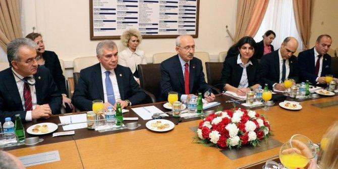 Kılıçdaroğlu, AP Dış İlişkiler Komitesi'ni kabul etti