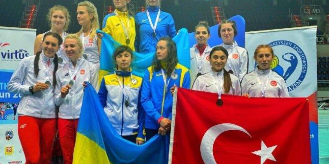 Milli sporcu Esra Bayrak dünya şampiyonu