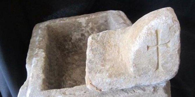 Sinop'ta bulunan taş sandık heyecan yarattı