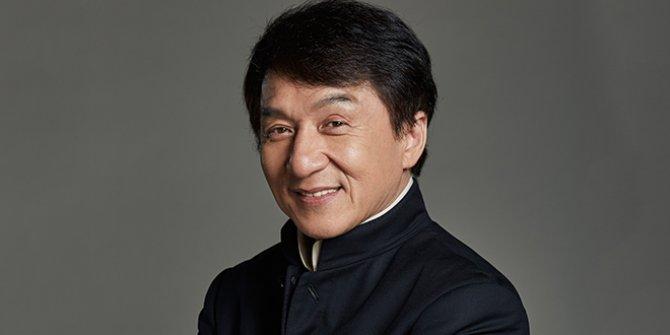 Jackie Chan'den karantina iddialarına yanıt