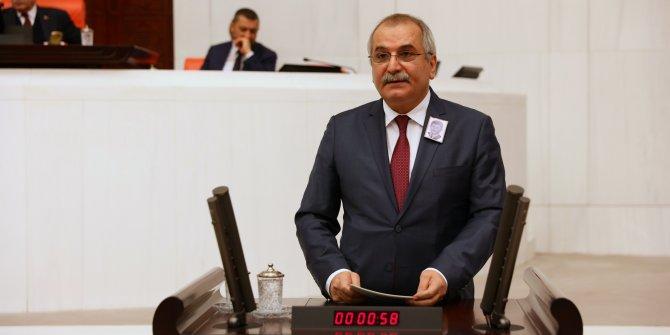 İYİ Partili Ahmet Çelik'ten şehitler için baş sağlığı mesajı