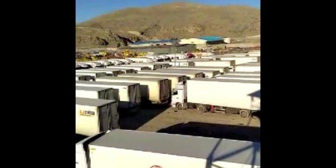 300 Türk şoför sınır kapısında