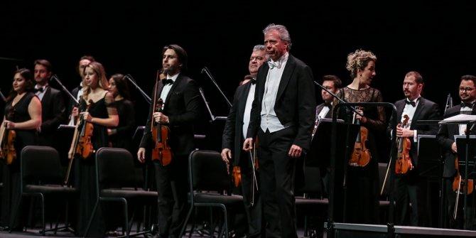 Piyanist İdil Biret, müzikseverlerle buluştu
