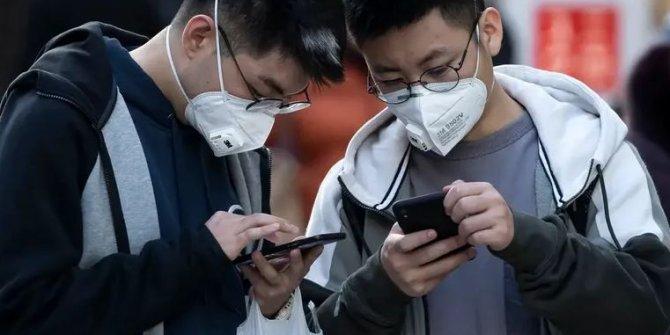 Çin'de telefon satışları dibi gördü