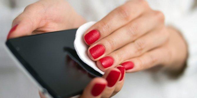 Koronavirüse karşı cep telefonları nasıl temizlenmeli?
