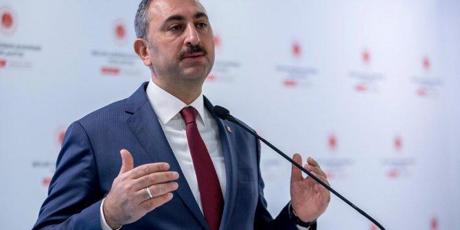 Adalet Bakanı Abdülhamit Gül: Duruşmaların ertelenmesi için HSK'ya yetki verildi